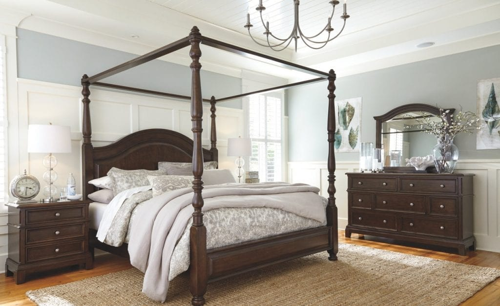 Canopy Bed with no curtains